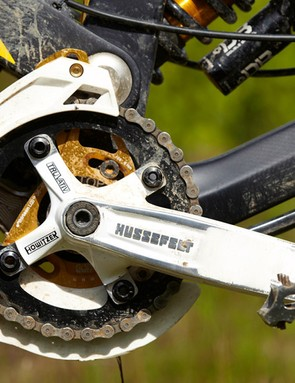 Although stiff and sturdy, the Truvativ Hussefelt cranks are pretty heavy and add to the XP's overall bulk