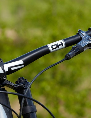 The Carbon ENVE Composites bar reduces weight without compromising strength or steering precision