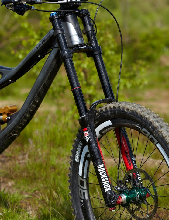 Up front, the limited edition RockShox Boxxer World Cup holds its own with the superb Öhlins shock. Its stanchions are coated to increase the fork's sensitivity and improve traction out on the trail