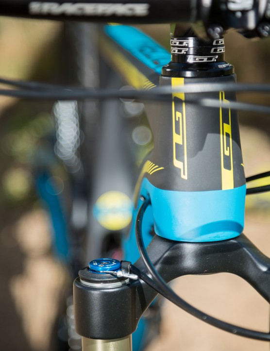 Remotely adjustable FOX CTD compression damping on the fork and shock at the same time