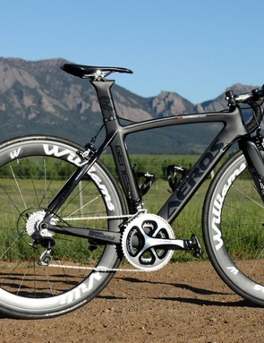 Williams Cycling is branching out from wheels and components into a small range of road frames. The top-end Aeros Genesis frameset, shown here, costs US$1,899.99 (£1,114/AU$2,021) and weighs 1,607g for a 49cm frame and uncut fork