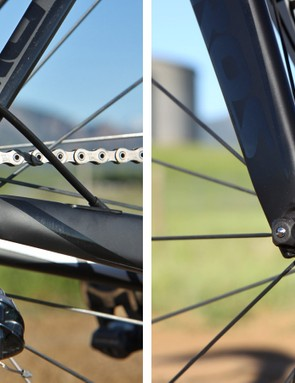 Carbon dropouts are used front and rear