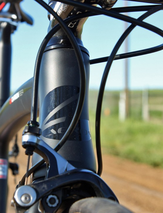 The front end features a tapered 1 1/8-to-1 1/2in steerer tube