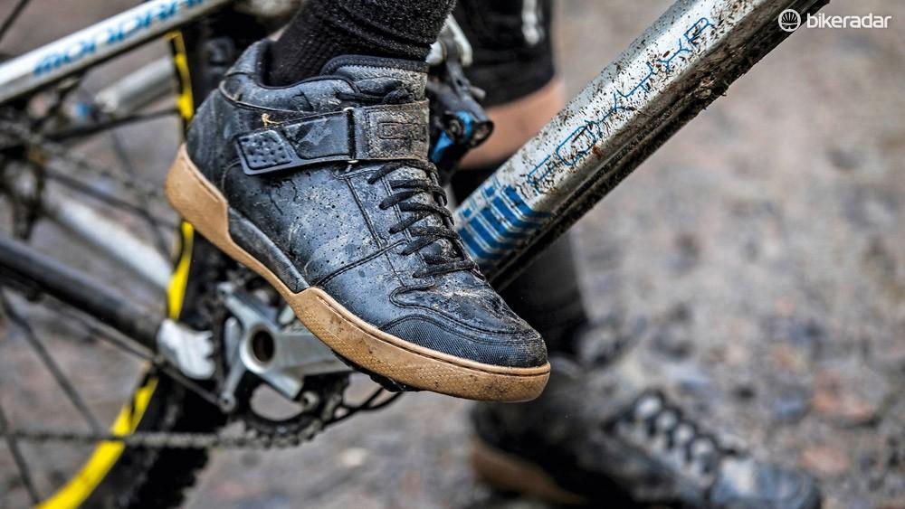 Giro Chamber Mid shoes