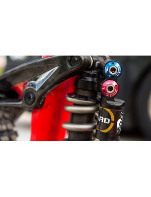 Those adjustment dials look very well made considering these shocks may never get to the market. We'd bet on them being released in the next couple of years though