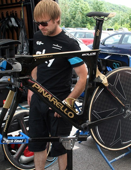 Team Sky mechanics worked hard all afternoon to prep Wiggins' race bike