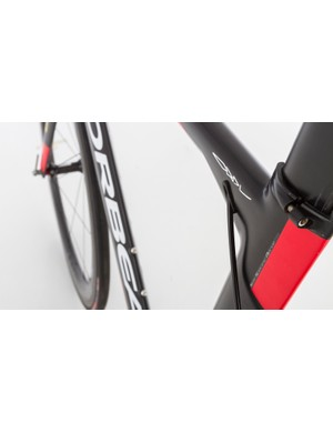 The reversed seatpost clamp is an aerodynamically tidy design and it's replaceable so if you strip a thread you won't have written off your frame