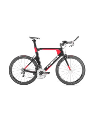 The M20i Ltd is the top-spec model in the Ordu OME range, and features Shimano Ultegra Di2 and Vision Metron 55 carbon clinchers
