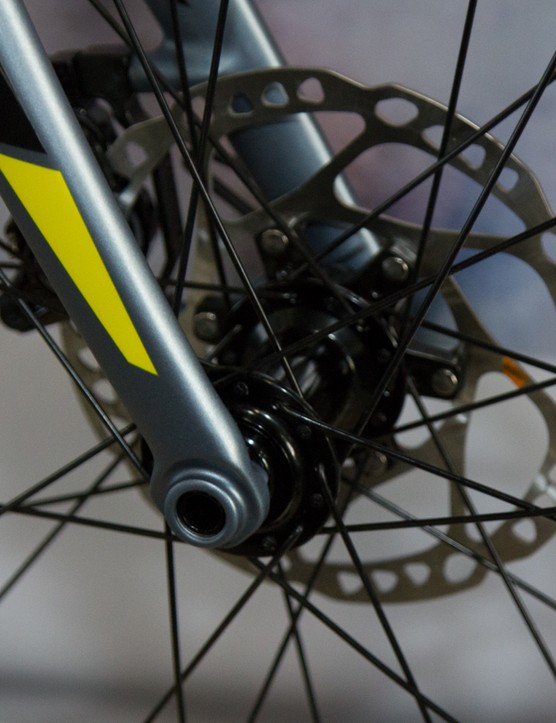 The Solace Disc features a 15mm front thru-axle