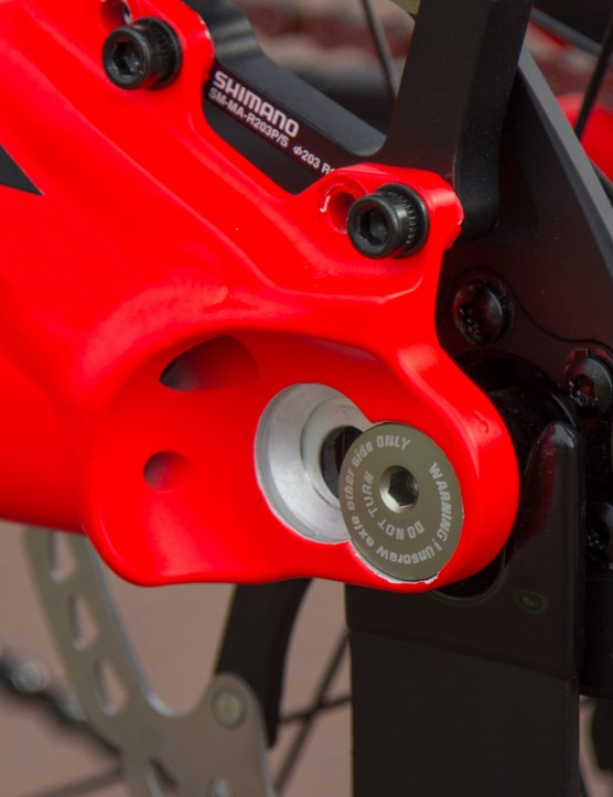 Another look at the adjustable chainstay length. Note the brake mount offers two positions too