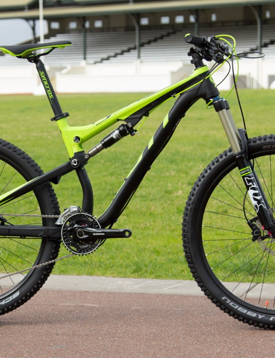 The Scott Genius 740 with 150mm of travel gets a fresh paint for 2015