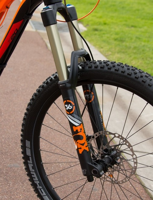 All Genius LT models now feature a Fox 36 fork with custom compression control through the TwinLoc remote lever