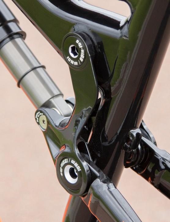 A closer look at the Genius LT 720's aluminium frame