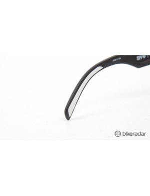 Hytrel rubber temple tips keep the glasses in place – these get grippier with sweat