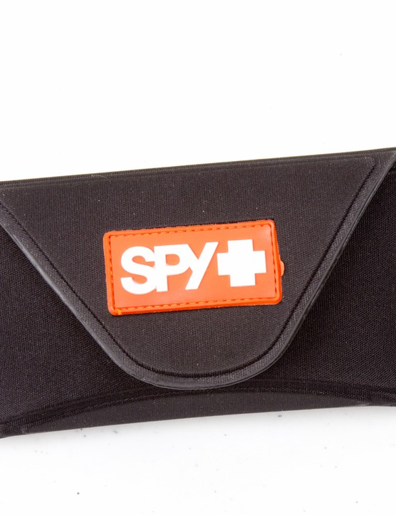 The simple neoprene case keeps everything neat and tidy