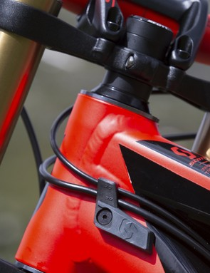 The new integrated fork bumpers are made from dual density plastic and rubber and protect the frame from fork impacts and keep the cables neatly tucked away