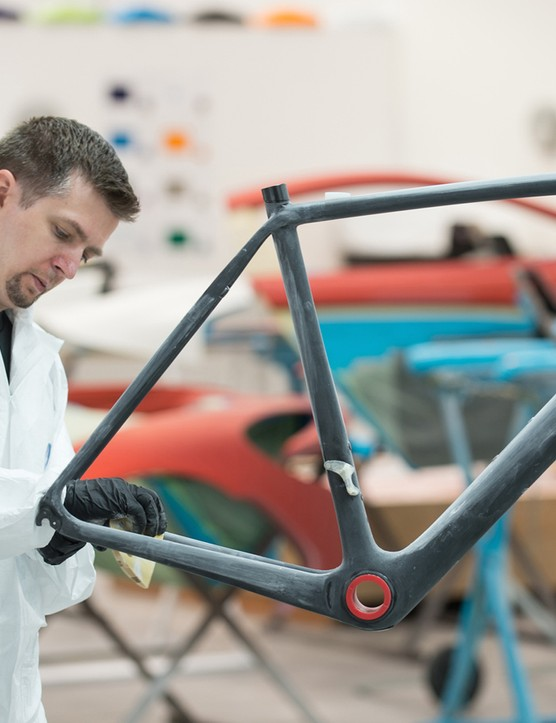 Each S-Works McLaren Tarmac is painted at Mclaren's paint facility the same shop that paints the €1,000,000 P1 hypercar