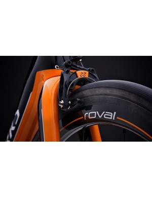 The Mclaren Roval tubular carbon rims are 30g lighter than standard