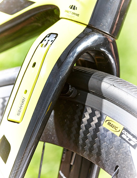 Hidden out of the wind the V-style front brakes sit within the fork