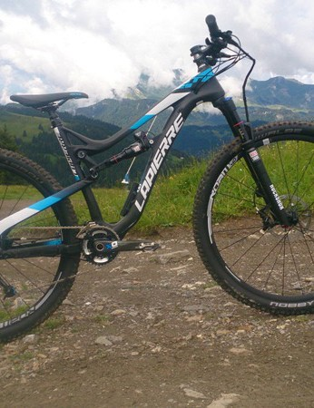The Zesty 829 is a new spec level, with a 120mm travel SID fork in its 29er guise