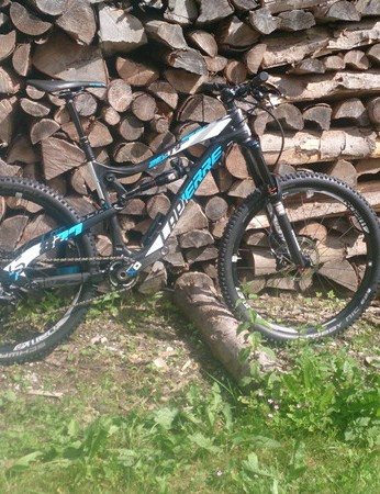 The Zesty AM 827, with 27.5in wheels, is ready to hit the trails hard - and climb straight back up