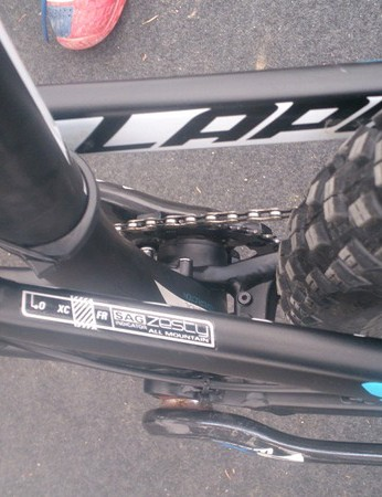 This sticker helps you set up your suspension more easily