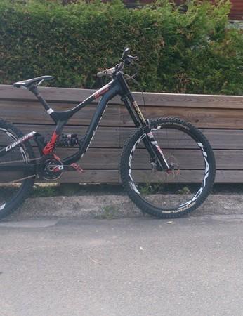 Lapierre's new Team DH bike