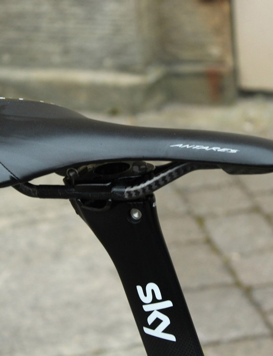 Fizik is rolling out new saddles at the Tour de France, but Froome has an 'old' Antares