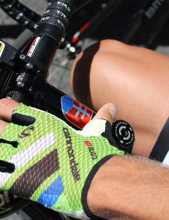Sagan's stem, seat tube and helmet are adorned with elements of the Slovakian flag