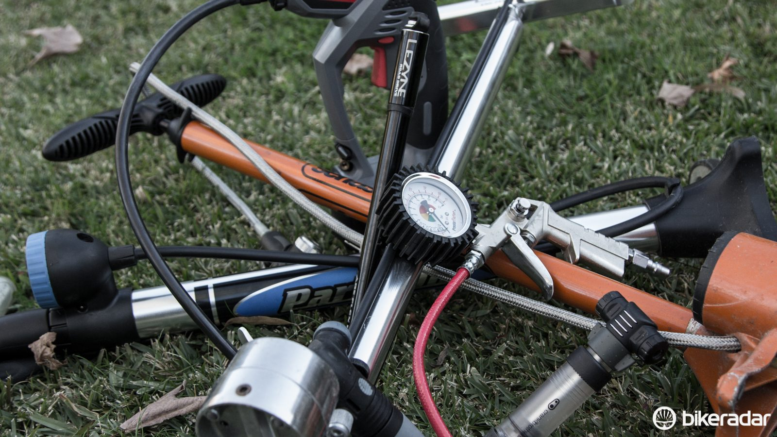 LARGE BICYCLE PUMP INFLATOR STANDING PUMP BIKE BICYCLE TOOLS PUMPS
