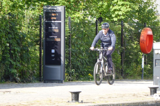 A cycle counter in action at Union Canal, Edinburgh Quay
