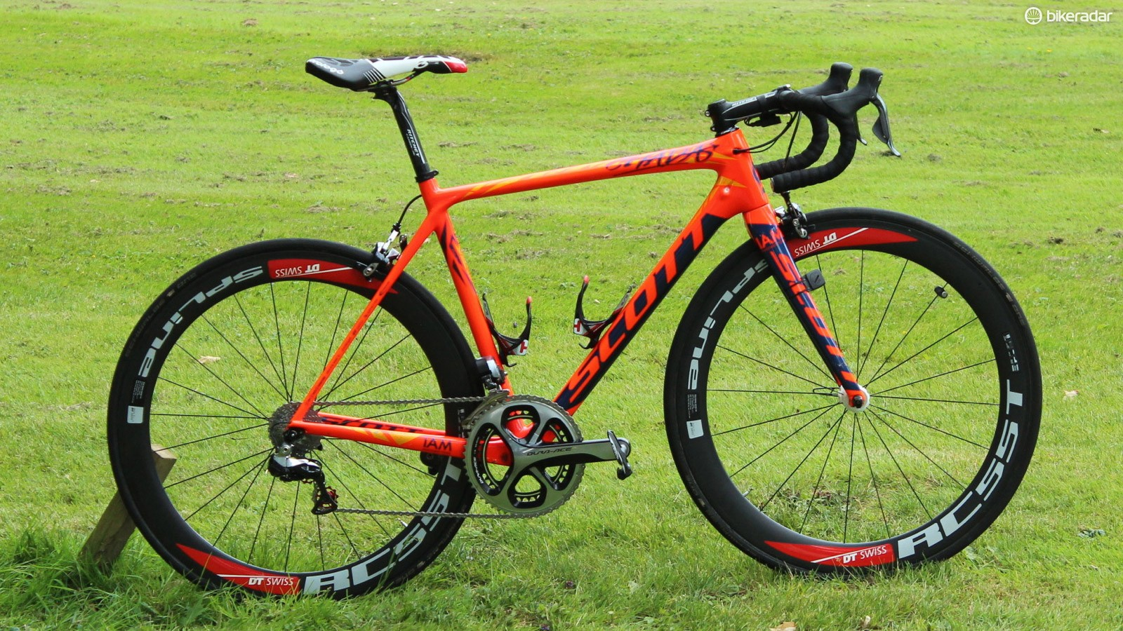 Sylvain Chavanel of IAM Cycling has a custom-painted Scott Addict for this year's Tour de France