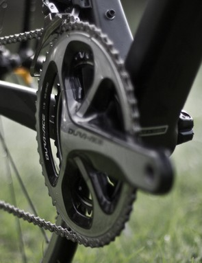 Semi-compact 52-36T chainrings up front