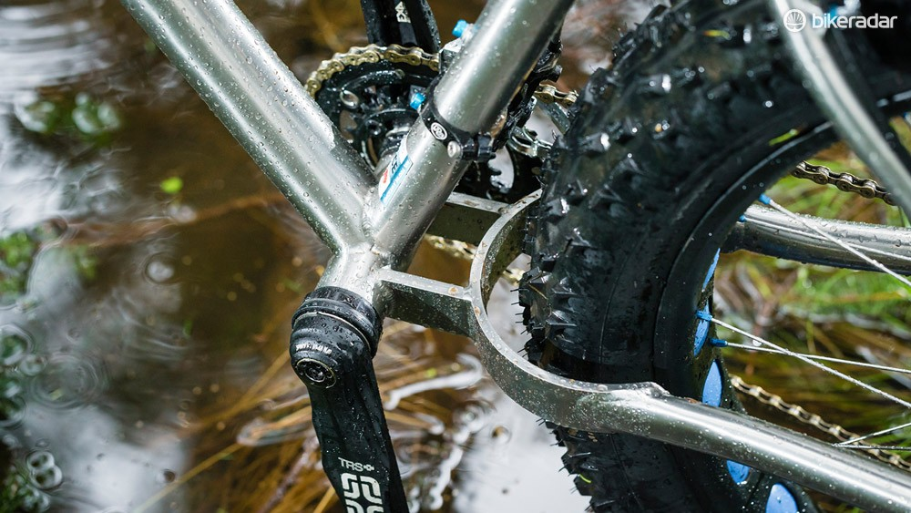The horseshoe chainstay bridge allows for huge tyres and plenty of mud