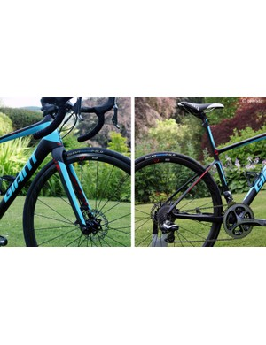 Giant claims that the new Defy Advanced SL is built on a lighter-weight chassis (frame, fork, headset, seatpost/ISP, and associated hardware) than the Specialized S-Works Roubaix SL4 Disc, Trek Domane Disc 6.9, and Cannondale Synapse Hi-Mod Disc. In addition, Giant claims its new bike is stiffer than all of those competitors while also delivering a measurably smoother ride than all but the Cannondale