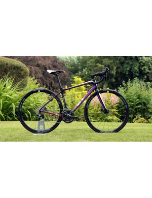 The Liv Avail Advanced Pro uses a slightly heavier carbon fiber blend than the Advanced SL frame along with a telescoping D-shaped seatpost