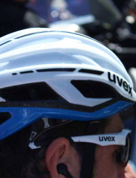 While other Giant-Shimano riders are racing in a Uvex Race 5 with the vents filled in