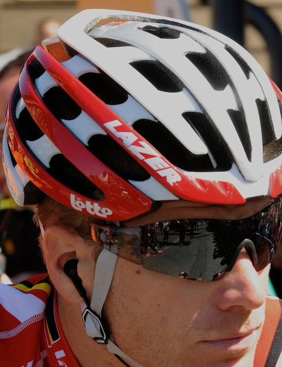The Lazer Z1 features a magnetic attachment on the straps for special sunglasses. Note the absence of sunglass arms here