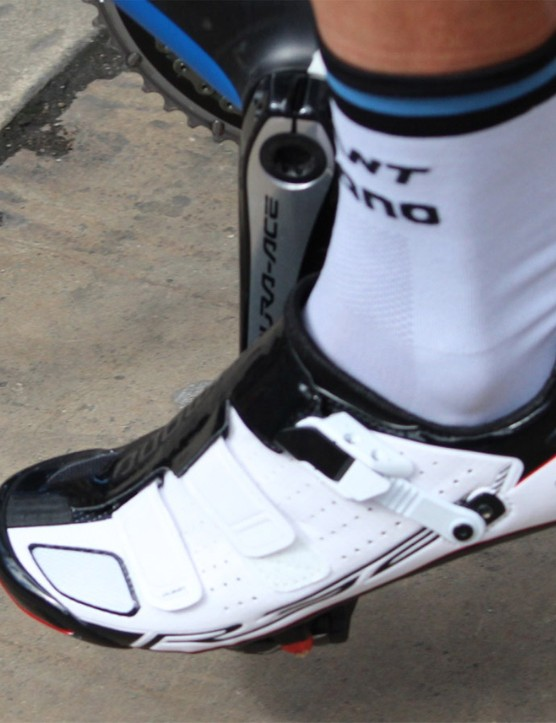 This Shimano shoe is not yet public. It appears to be an R321 —a follow-up to the current R320