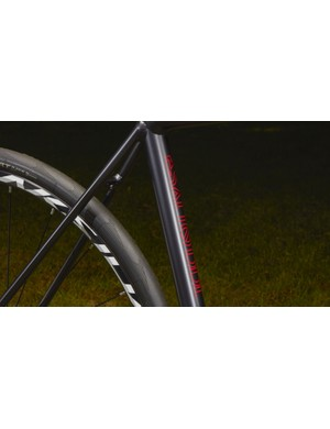 The scandium Esatto frame features ultra thin seatstays, which should help to soothe the ride