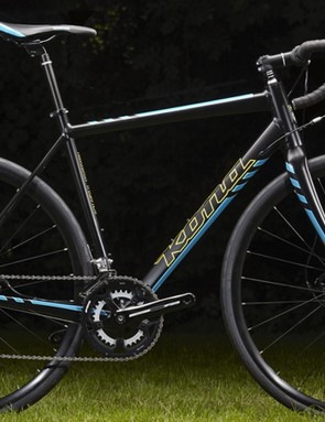 The Kona Esatto D 2015 shares the same frame and fork as the DDL, but features a combination of 10-speed Shimano Tiagra and 105 components