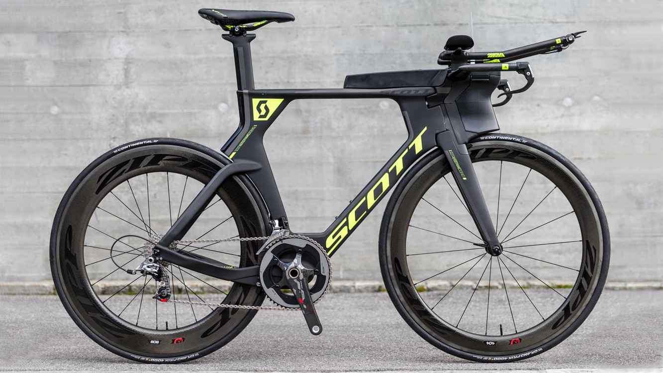 The new Scott Plasma 5 with nose cone hydration system and storage box