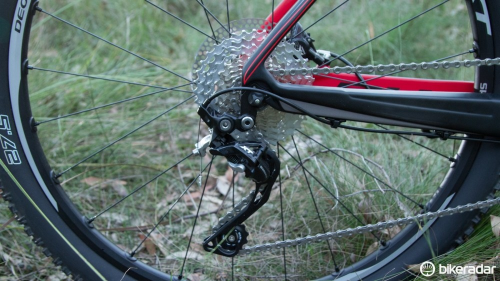 Plenty of noise came from the rear derailleur banging on the hollow chainstay, something easily avoided with a Shadow Plus clutch derailleur