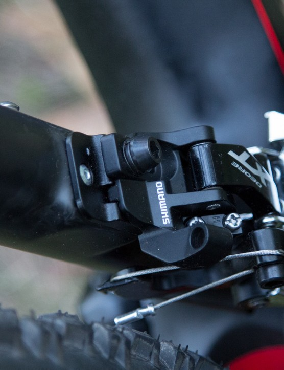A direct mount front derailleur provides a crisper shift