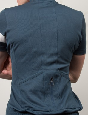 The Lightweight jersey offers flattering fit, slightly more relaxed than its sibling Souplesse garment