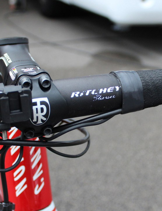 An SRM mount on alloy Ritchey Classic bend bars
