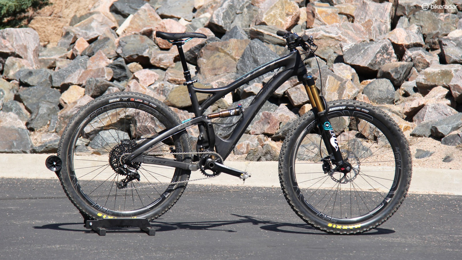 Yeti has just released the SB5c, a 27.5in carbon trail bike built around a new suspension system