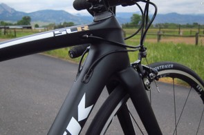 Cable routing is tidy up front with all of the lines hugging the head tube tightly