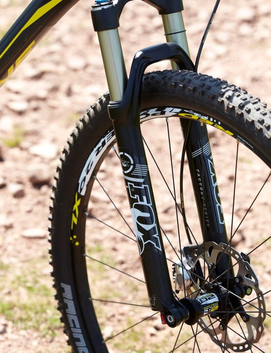 Up front, Fox's 32 Float CTD fork delivers 100mm of well-controlled and accurate-steering travel
