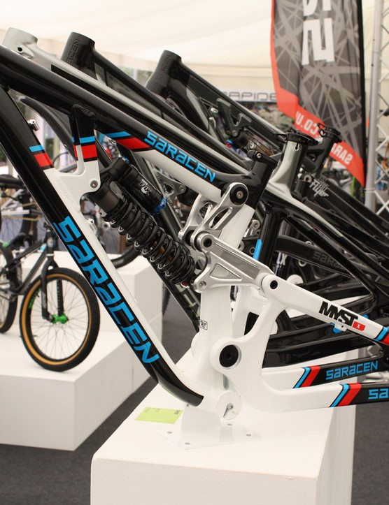 The Saracen Myst X frameset, complete with Martini inspired livery, will retail at £1,899 including a Fox DHX RC4 shock